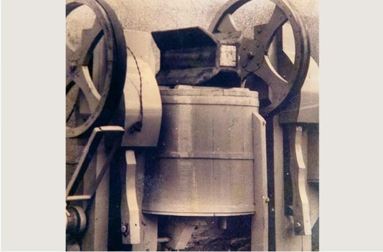 Primeira lavadora Mueller feita no Brasil